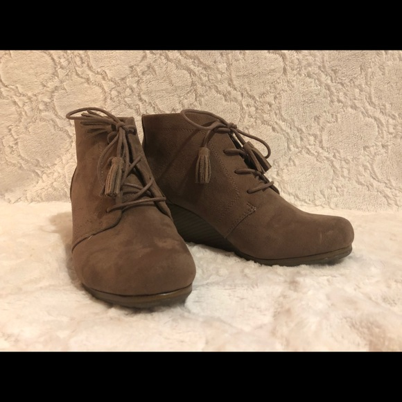 ee49b0b0f71 Dr. Scholl s Shoes - Dr. Scholl s Dakota Women s Wedge Ankle Boot